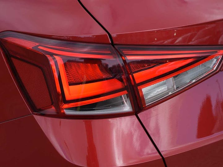 Red SEAT Arona TSI Evo Fr Sport 2018