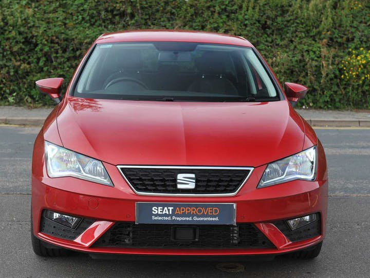 Red SEAT Leon TDI SE Dynamic DSG 2019