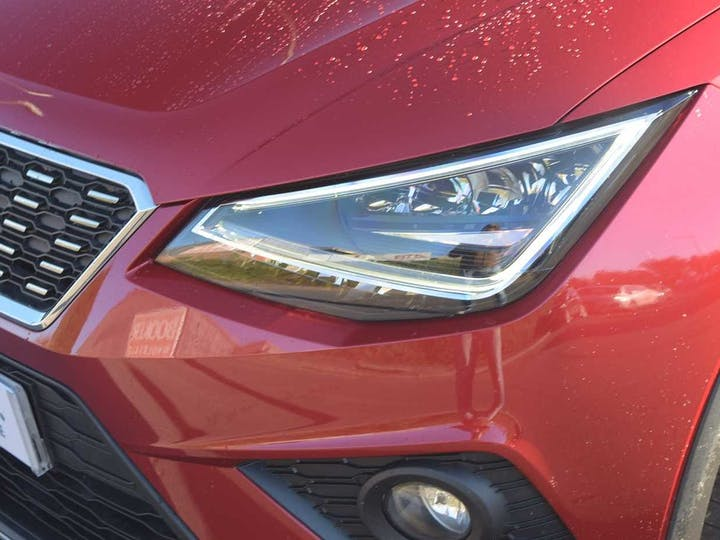Red SEAT Arona TDI Xcellence 2019