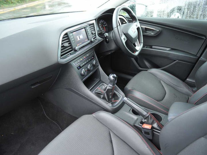 White SEAT Leon TSI Fr Technology 2015