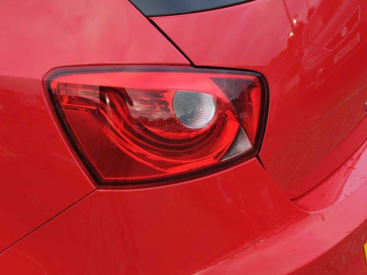 Red SEAT Ibiza Sol 2016
